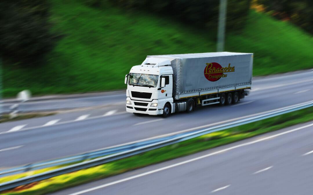 Transporte por carretera de carga completa